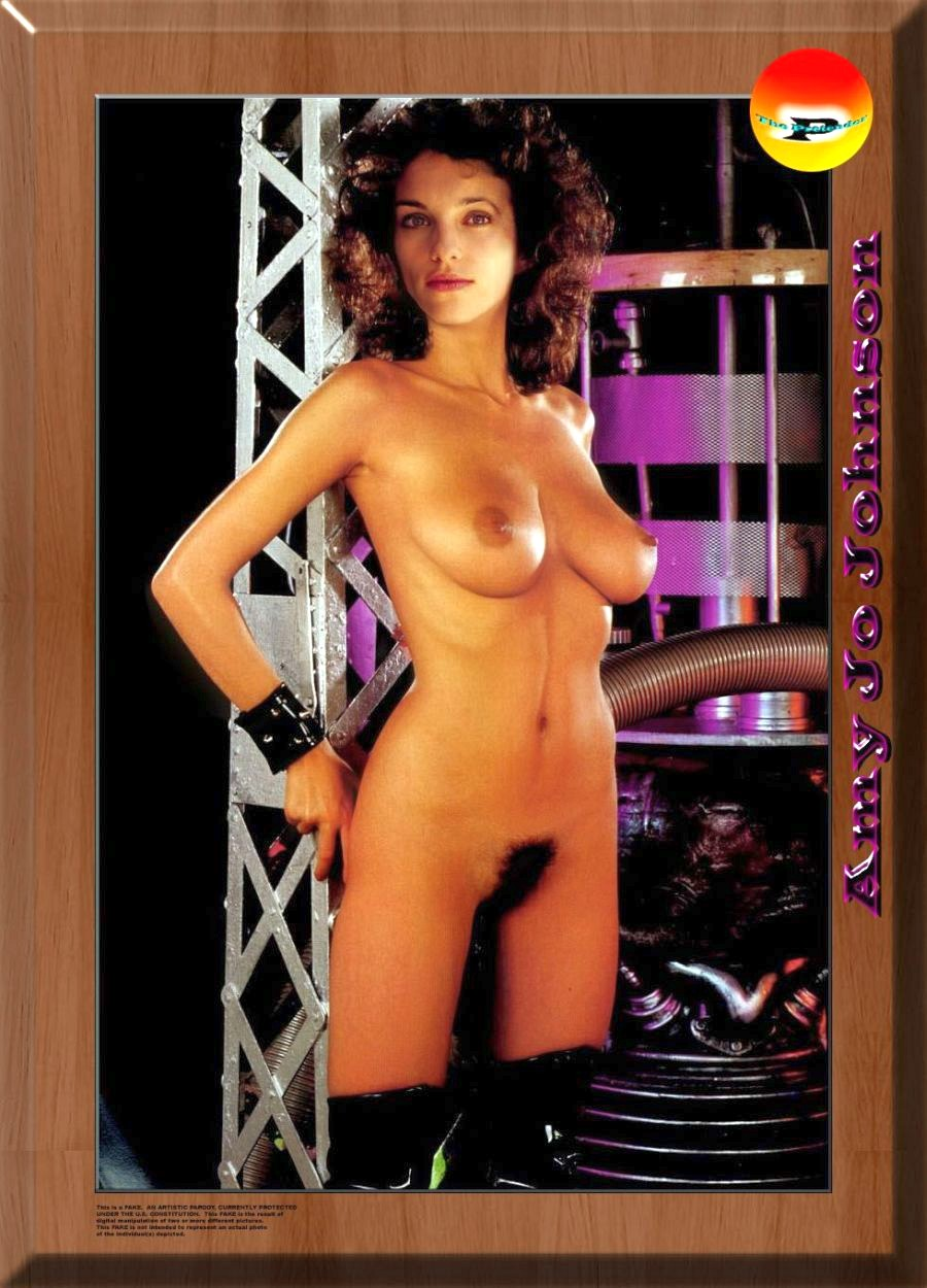 Amy Jo Johnson Nude