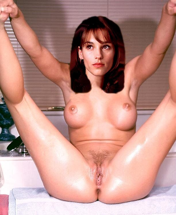 Amy Jo Johnson Nude Fakes - 013