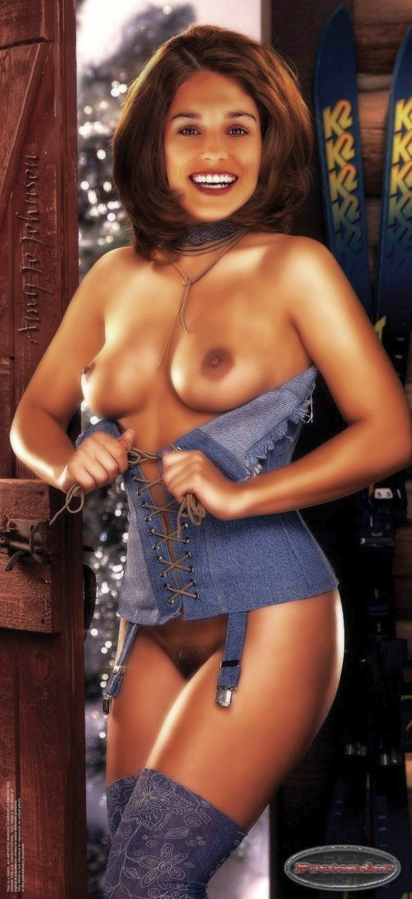 Amy Jo Johnson Nude Fakes - 023