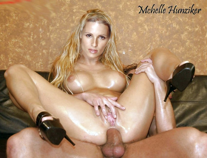 Michelle Hunziker Nude Fakes-022