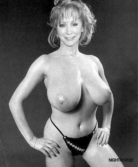 pic-of-reba-mcentire-nude
