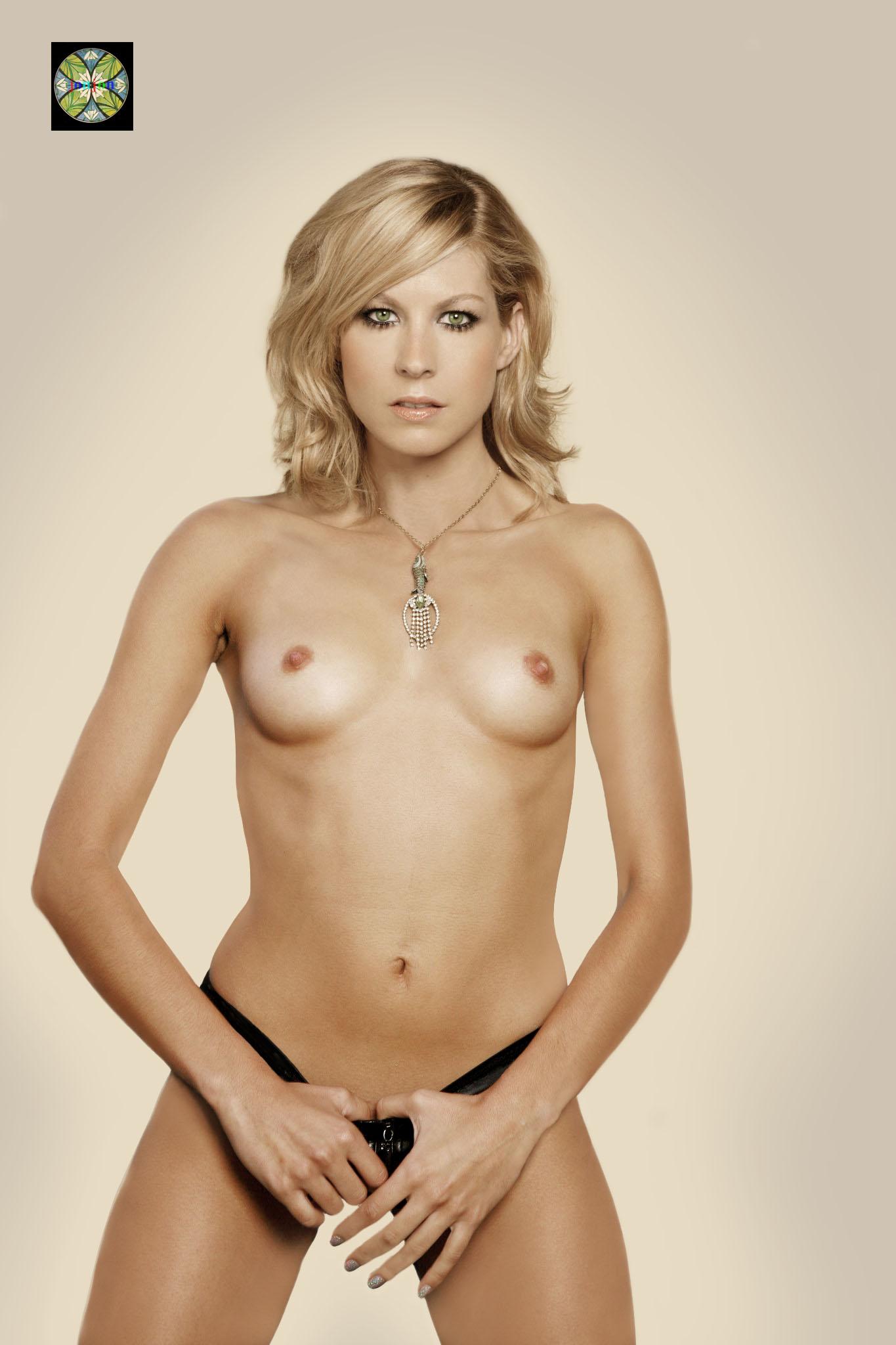 Jenna Elfman Nude