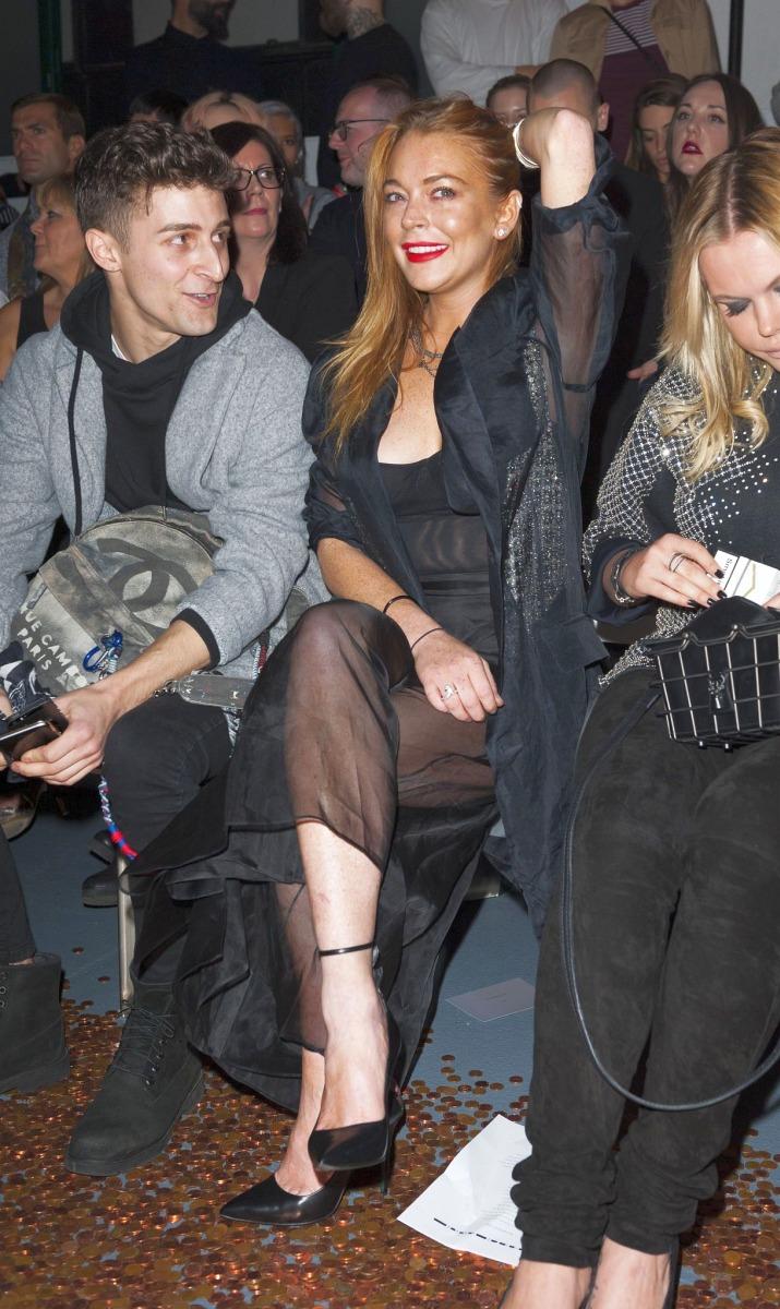 Nip Slip on m Fashion lindsay lohan show slip