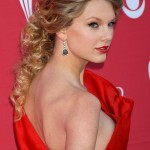Taylor Swift Nip Slip (Photos)