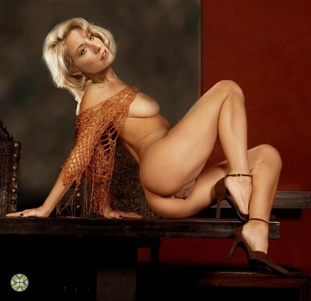 Linda kozlowski nude pics